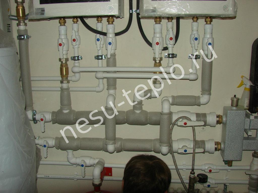 Подключение двух газовых котлов и бойлера косвенного нагрева