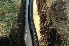 Труба для подвода воды от колодца к дому