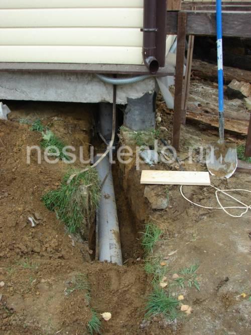 Выпуск канализации из дома