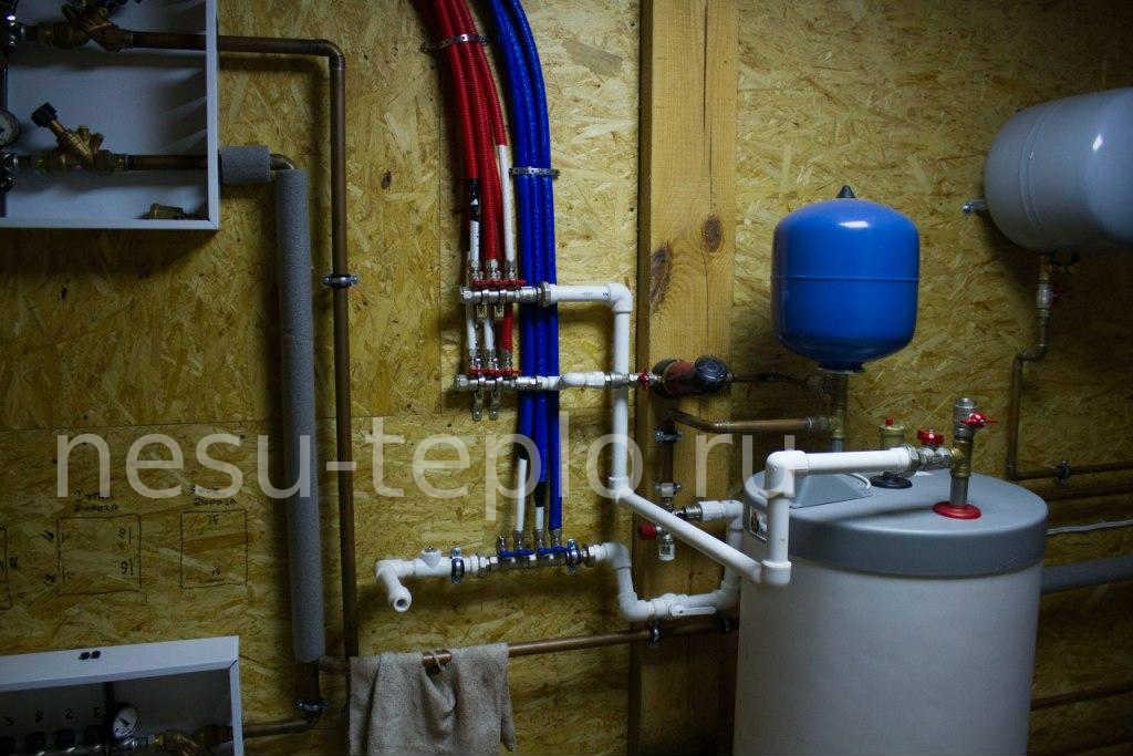 Разведение воды по дому PEX трубами с системой рециркуляции и подключение к бойлеру косвенного нагрева